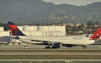 N859NW @ KLAX - Taxiing to gate