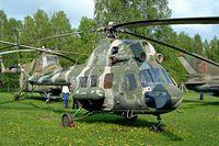 32 YELLOW @ ETHT - Mil Mi-2 Hoplite [511019039] Cottbus~D 06/05/2002