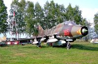25 04 @ ETHT - Sukhoi Su-22M-4K Fitter-K [25511] Cottbus~D 06/05/2002 marked 365.