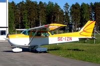 SE-IZN @ ESKN - Cessna 172N Skyhawk [172-73647] Stockholm-Skavasta~SE 31/05/2002