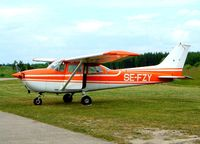 SE-FZY @ ESSU - R/Cessna F.172M Skyhawk [1024] Eskilstuna~SE 30/05/2002