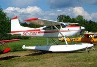 SE-CMZ @ ESKB - Cessna 185 Skywagon [185-0053] Barkarby~SE 01/06/2002