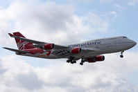 G-VFAB @ EGLL - Landing