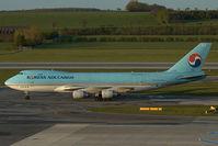 HL7497 @ LOWW - Korean Air Cargo Boeing 747-400