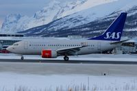 SE-DNX @ ENTC - SAS Boeing 737-683, c/n: 28304 at Tromso