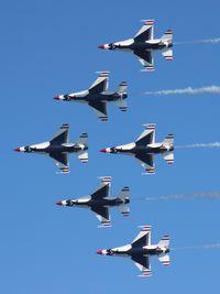 92-3908 - Thunderbirds over Daytona Beach