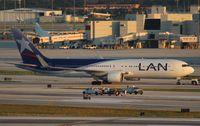 CC-CXF @ MIA - LAN 767-300