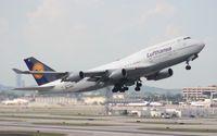 D-ABVZ @ MIA - Lufthansa 747-400