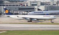 D-AIGS @ MIA - Lufthansa A340-300
