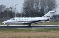 CS-DMW @ EHBK - Netjets Beech 400A - by FerryPNL