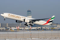 A6-ECC @ VIE - Emirates - by Chris Jilli