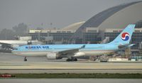 HL8228 @ KLAX - Taxiing for departure at LAX