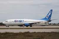 C-FTCZ @ KFLL - Boeing 737-800