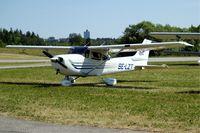 SE-LZT @ ESKB - Cessna 172S Skyhawk [172S-9298] Stockholm-Barkarby~SE 07/06/2008