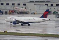 N320US @ MIA - Delta A320
