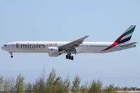A6-EMV @ LFMN - Landing