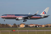 N353AA @ LIRF - Landing