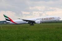 A6-EGC @ VIE - Emirates - by Chris Jilli
