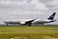 PH-BVD @ EHAM - KLM B777 - by Jan Lefers