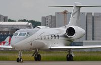 D-ADSE @ LSZH - Windrose G450 close-up - by FerryPNL