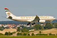 A6-DCC @ LOWW - Rwy 16 - by Bernd Karlik - VAP