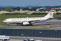 A6-DCC @ VIE - Etihad Airways Airbus A330-200 - by Thomas Ramgraber