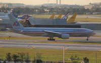 N782AN @ MIA - American 777-200