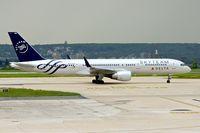 N722TW @ LFPG - 1999 Boeing 757-231, c/n: 29385 at CDG