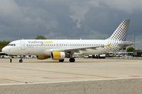 EC-ICR @ LFPG - Vueling 1991 Airbus A320-211, c/n: 0240