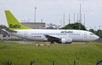 YL-BBM @ LFPG - Air Baltic 1992 Boeing 737-522, c/n: 26680