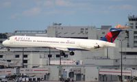 N905DE @ MIA - Delta MD-88 - by Florida Metal