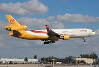 N952AR @ MIA - Skylease MD-11F