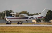 N2137S @ ORL - Cessna 210L
