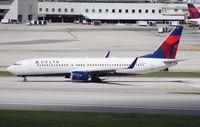 N3750D @ MIA - Delta 737-800