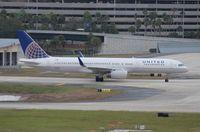 N19136 @ TPA - United 757-200