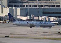N36207 @ MIA - United 737-800