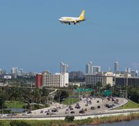 YV2794 @ MIA - Avior 737-200 flying over the Dolphin Expressway