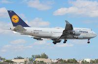 D-ABVX @ MIA - Lufthansa 747-400