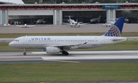 N453UA @ TPA - United A320
