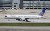 N573UA @ MIA - United 757