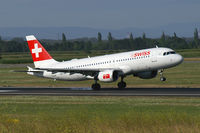 HB-IJM @ VIE - Swiss International Airlines Airbus A320 - by Thomas Ramgraber