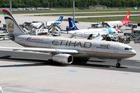 A6-EYQ @ EDDF - Etihad A330