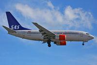 LN-RPK @ EGLL - SAS Scandinavian Airlines - by Chris Hall