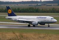 D-AIBE @ VIE - Lufthansa Airbus A319
