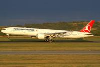 TC-JJG @ VIE - Turkish Airlines Boeing 777-300