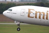 A6-EBM @ LOWW - Emirates B777 - by Thomas Ranner