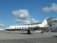 C-GBBB @ CYYZ - 1982 Gulfstream sits on this side ramp at Toronto Int'l Airport - by Ron Coates