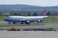 B-18201 @ VIE - China Airlines Boeing 747-400