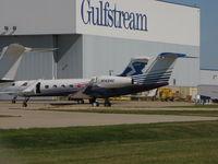 N142HC @ KATW - Gulfstream at Appleton - by steveowen