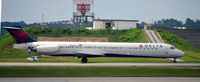 N966DL @ KATL - Landing Atlanta - by Ronald Barker
